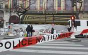Hai nữ sinh âm mưu tấn công nhà hát ở Paris