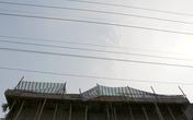 Bị điện giật chết khi leo lên mái nhà hàn sắt