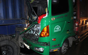 Húc đuôi xe container, tài xế xe tải tử vong