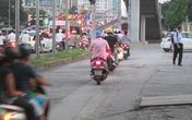"""Từ hôm nay phạt nặng khi đi xe máy trên vỉa hè: Người dân vẫn... """"vô tư"""""""