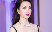MC Thanh Mai diện áo croptop khoe vai trần nuột nà