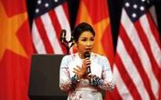 'Không đủ can đảm để nghe Mỹ Linh hát hết bài Quốc ca'