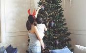Tăng Thanh Hà gây sốt khi khoe ảnh bụng bầu bế con bên cây thông Noel