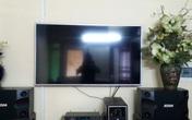 Tranh cãi về chiếc tivi bị lỗi màn hình khách mua ở siêu thị Nguyễn Kim