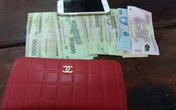 Nam sinh viên đạp ngã bà bầu để cướp tiền và điện thoại