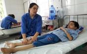 """""""Vua bắt ma"""" giúp điều trị từ thiện cho bé nhiễm HIV bố chết, mẹ yếu"""