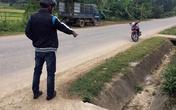 Xót xa bà ngoại vứt thi thể cháu bé sơ sinh bên lề đường ở Quảng Nam