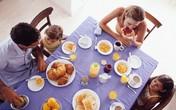 """Ăn sáng rất nguy hiểm và bắt trẻ em ăn sáng là """"lạm dụng trẻ em"""" ?"""