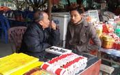 Du khách bị chèo kéo xem bói ở lễ hội Côn Sơn - Kiếp Bạc