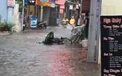 Hải Phòng: Nhiều tuyến đường ngập lụt do mưa lớn