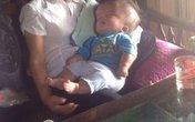 Sự sống mong manh của bé trai 5 tháng tuổi mắc căn bệnh não úng thủy