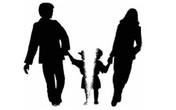 Người mẹ tuyệt vọng làm đơn đòi quyền nuôi 2 con song sinh ở Hà Nội