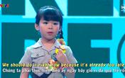 Bé 5 tuổi chinh phục giám khảo bằng tài hát và thuyết trình tiếng Anh