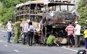 Hàng chục hành khách la hét trong ôtô giường nằm bốc cháy