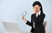 Cách khắc phục chứng khô mắt cho nhân viên văn phòng