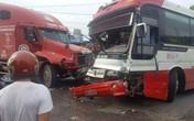 Xe khách đâm vào xe container, nhiều hành khách Quảng Ninh thoát chết