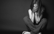 Đớn đau người phụ nữ vừa bị sảy thai chồng đã đi ngoại tình