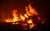 Cháy lớn hàng trăm công nhân hoảng loạn chạy thoát thân