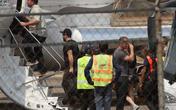 """Người tình """"tin đồn"""" của Angelina Jolie bị bắt gặp lên máy bay riêng cùng các con của cô"""