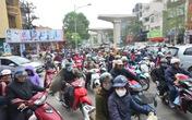 Gần Tết, đường phố Hà Nội kẹt cứng cả ngày cuối tuần