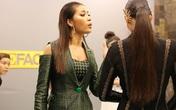 Minh Tú mắng Lan Khuê: 'Cởi quần độn mông ra rồi nói chuyện với chị'