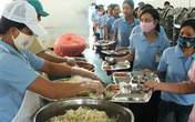 Hải Phòng: Nguy cơ ngộ độc từ suất ăn tập thể kém chất lượng
