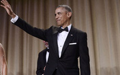Suốt 8 năm cầm quyền Obama chỉ mặc đi mặc lại mỗi một bộ lễ phục tuxedo