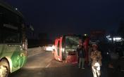 Trên đường về quê ăn Tết, xe giường nằm bị lật khiến 14 người nhập viện