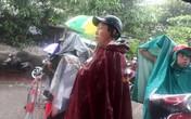 Công an vây bắt đối tượng dùng súng, lựu đạn cố thủ: Bất chấp nguy hiểm, hàng trăm người dân đội mưa... xem!