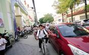 Ám ảnh cảnh ùn tắc trước cổng trường học ở Hà Nội