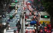 Người dân đổ xô về quê nghỉ Tết Dương lịch, Hà Nội ùn tắc trầm trọng dưới cơn mưa lạnh giá