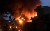5 ngôi nhà liền kề ở Hải Phòng bất ngờ bốc cháy dữ dội