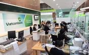 """Vietcombank: Điều chỉnh phí là """"chia sẻ với khách hàng""""?"""
