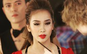 Nhan sắc gợi cảm của nữ biên đạo múa tố Phạm Anh Khoa gạ tình tục tĩu