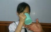 Hải Phòng: Phẫn nộ giáo viên phạt học sinh uống nước giẻ lau bảng