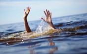 Phát hiện nam sinh cấp 3 tử vong trong bể bơi