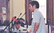 """Người """"cáo ốm"""" liên tục vắng toà 8 ngày bất ngờ xuất hiện ở phiên xử BS Hoàng Công Lương chiều 24/5"""