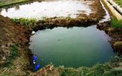 Nghệ An: Rơi xuống hố đào chôn cột điện, hai bé trai đuối nước thương tâm