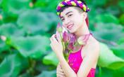 Nam sinh điển trai lớp 12 gây tranh cãi khi mặc yếm hồng chụp bộ ảnh gây sửng sốt ở đầm sen