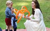 Kate đến trường đón George tan học chỉ một ngày sau khi sinh con