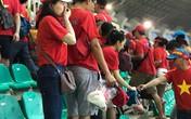 Dù đội tuyển thua, cổ động viên Việt Nam vẫn được yêu mến vì  hành  động đẹp sau trận Bán kết Asiad