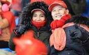 Hoàng Bách để vợ xinh đẹp ở nhà đi cổ vũ Olympic Việt Nam thi đấu bán kết Asiad
