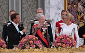 Đệ nhất phu nhân Pháp sánh vai chồng dự tiệc hoàng gia Đan Mạch