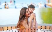 Á hậu Diễm Trang đưa con gái 2 tuổi du lịch Đà Nẵng