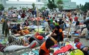 420 người chết, tù nhân bỏ trốn, nhiều thi thể nổi trên biển sau sóng thần, động đất kinh hoàng ở Indonesia