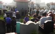 Phát hoảng khi gần 100 ngôi mộ bị đập vỡ bát hương trong đêm