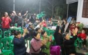 Tại gia đình cầu thủ Đức Huy: Vỡ òa cảm xúc khi bàn thua của Việt Nam không được công nhận nhờ công nghệ VAR