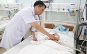 Uống dầu hỏa, cô bé 40 tháng tuổi bị Down ngộ độc, viêm phổi nặng