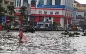 Thành Vinh chìm trong biển nước vì trận lụt lịch sử