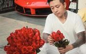 Tuấn Hưng dậy từ 4h30 mua hoa tặng vợ